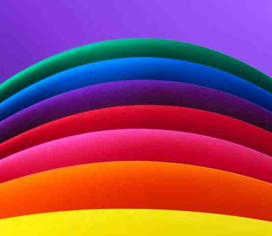 Colors of the rainbow on a curve