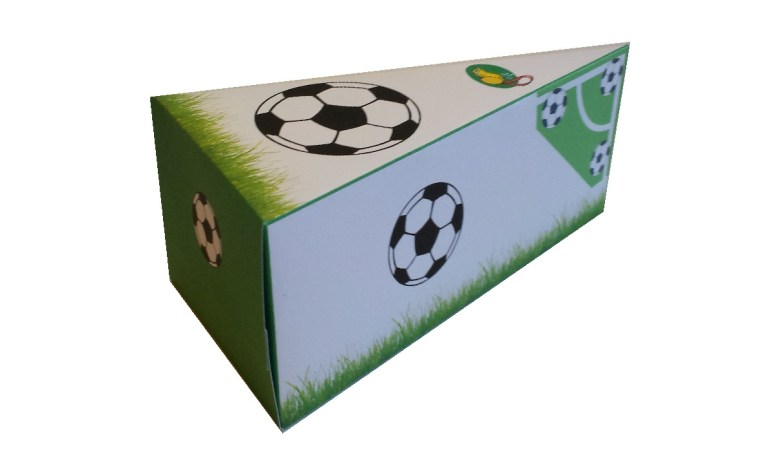 Traktatie voetbal taart