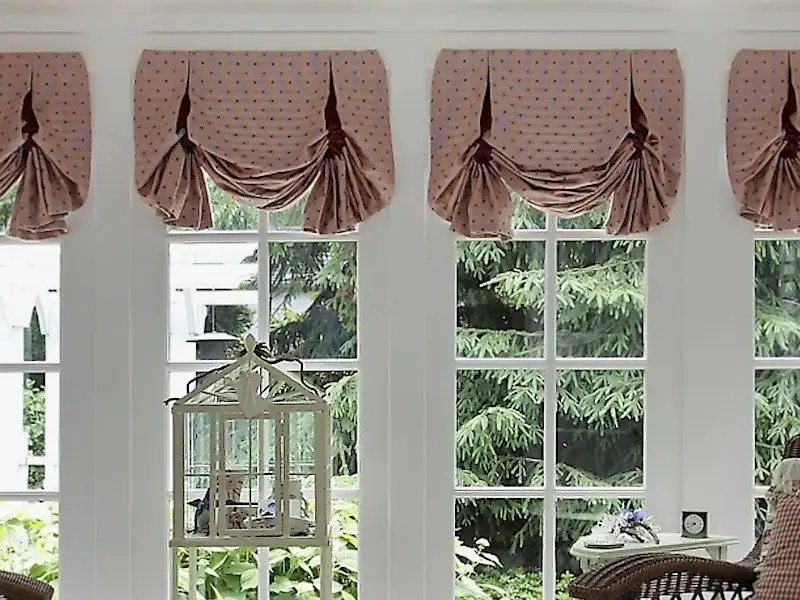 to dress windows that are close together