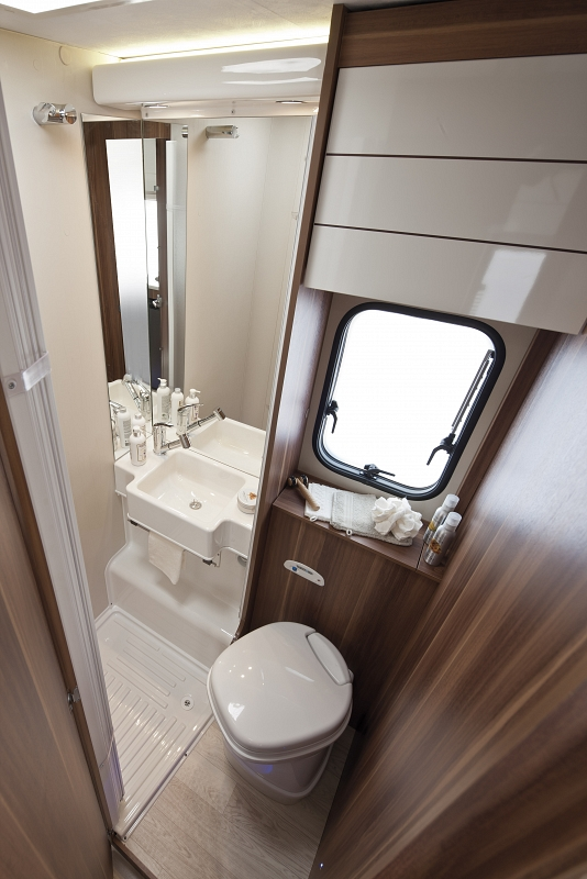The main types of transmissions are automatic and manual. Roller Team Auto Roller 694 - Luxury motorhome from Priory