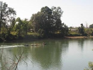 Orillas del río en Hsipaw