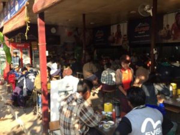 Bar de Myanmar
