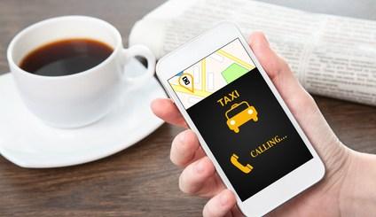 Uber - anliza rynku taksówek. Mariusz Malec. PEC