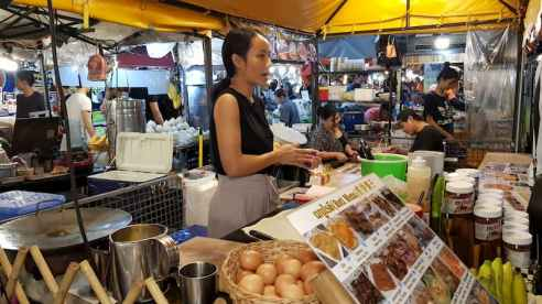 Mała firma, Train Night Market Ratchada, Bangkok