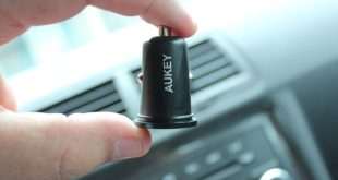 Aukey-4.8A-Dual-Port-USB-Car-Charger