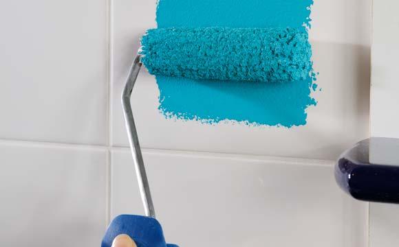 peindre le carrelage d une salle de bain conseils et astuces