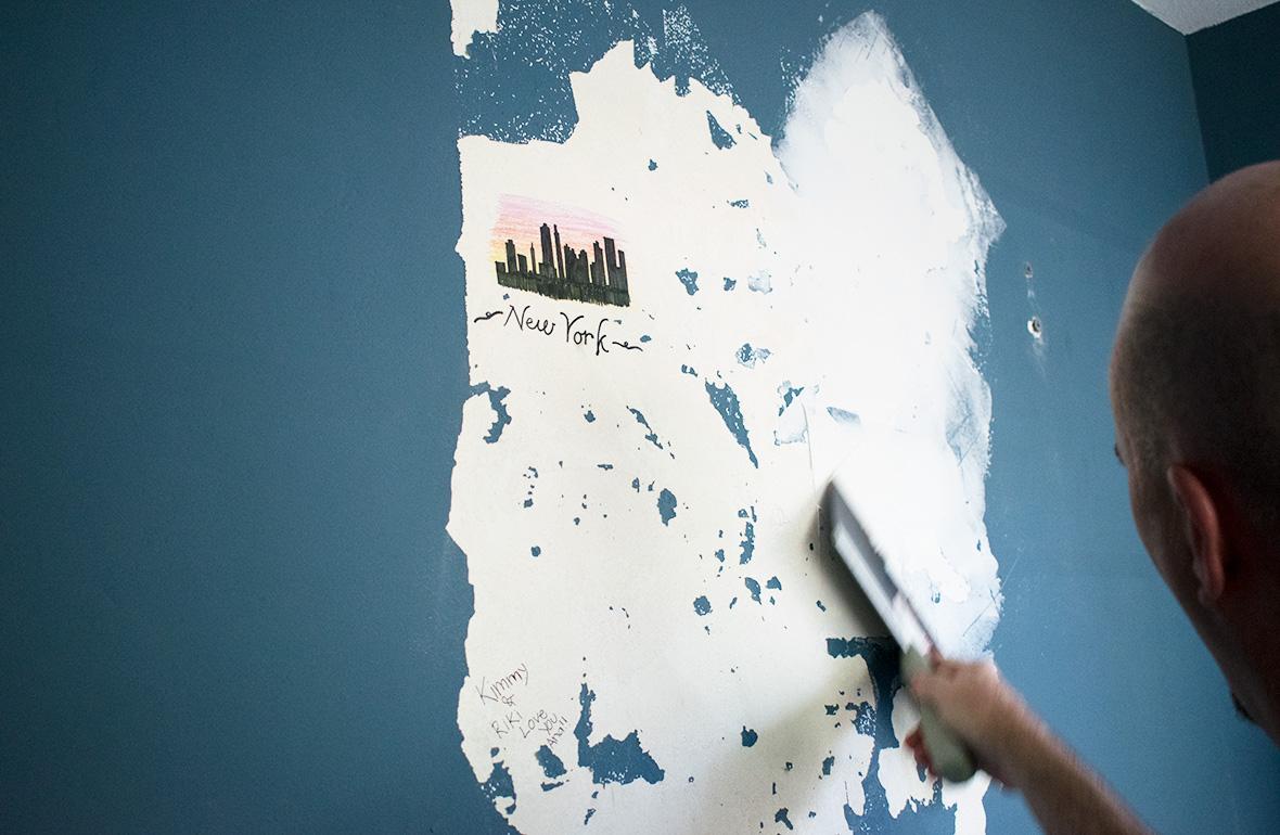 paint a chalkboard wall