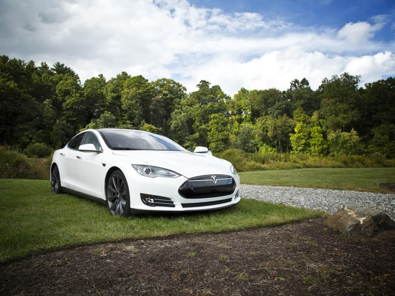 Tesla Autopilot: Subtle Insights Into The Human-AI Relationship