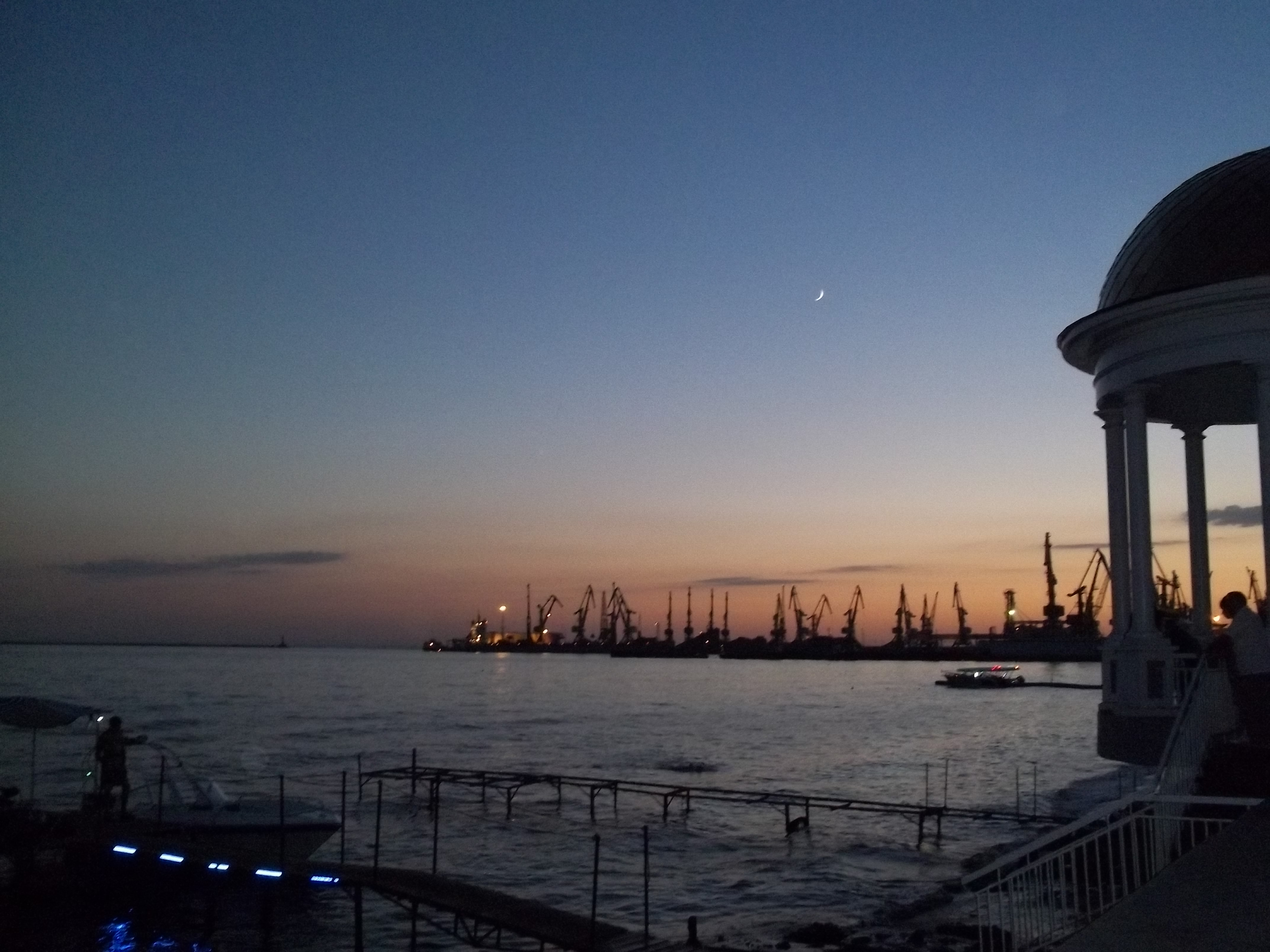Бердянск: пляжи, море, отдых и лечение