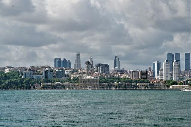 Морская прогулка по проливу Босфор Турция