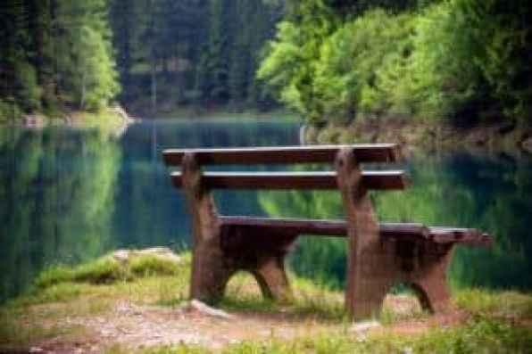 зеленое озеро вавтралии с апреля по август