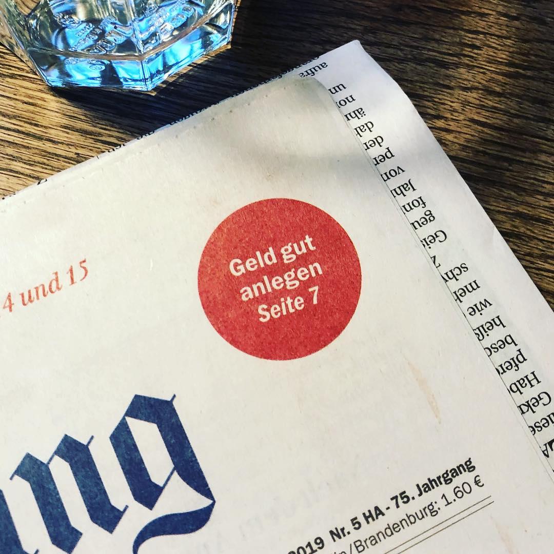 """Tageszeitung liegt auf dem Frühstückstisch. """"Och, lese ich das auf Seite 7 mal. Kann ja nicht schaden"""", denke ich mir. Auf Seite 7 dann ganzseitige Anzeige von Aldi."""