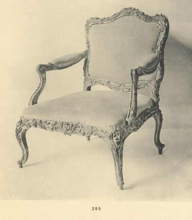 Fauteuil en bois sculpté, collection Jacques Doucet