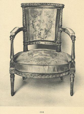Fauteuil en bois sculpté et doré , collection Jacques Doucet