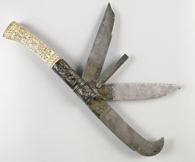 Couteau à greffer, laiton, fer, os © RMN - Château d'Ecouen_Photo G. Blot