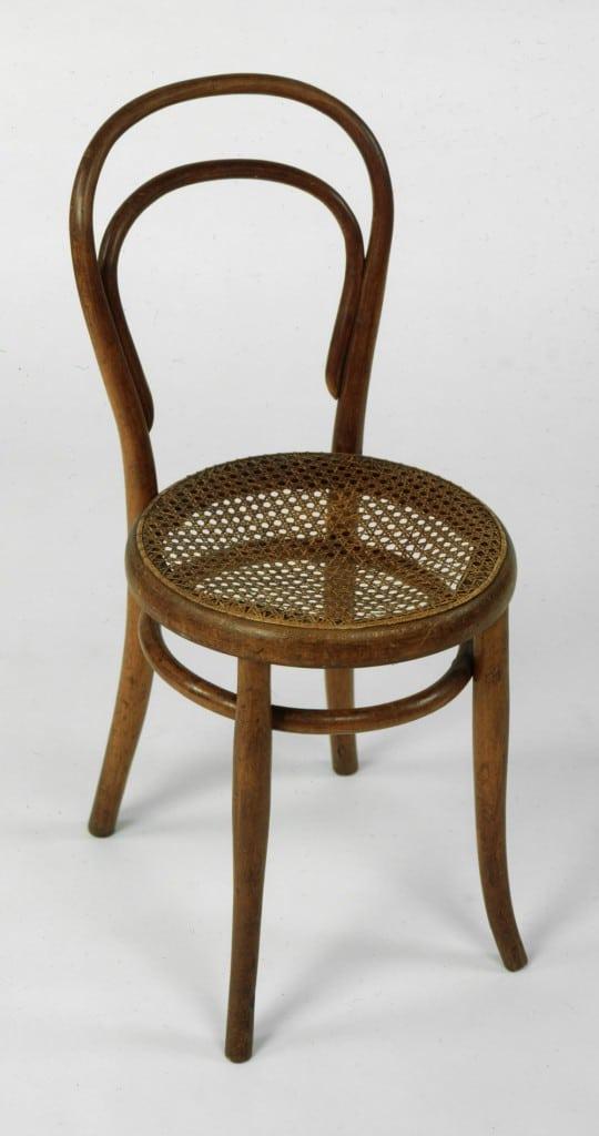 Michael THONET - Chaise n°14 - 1859 - 1860 - Hêtre massif courbé et assise cannée rotin