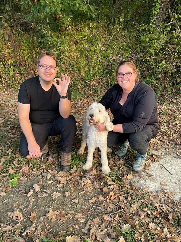 What is it like to go on a Piedmont white truffle hunting tour from Alba Italy? Find delicious truffles with the truffle hunter and his dog on a tour from Alba. Learn about truffles, what makes them so special and how to find them.