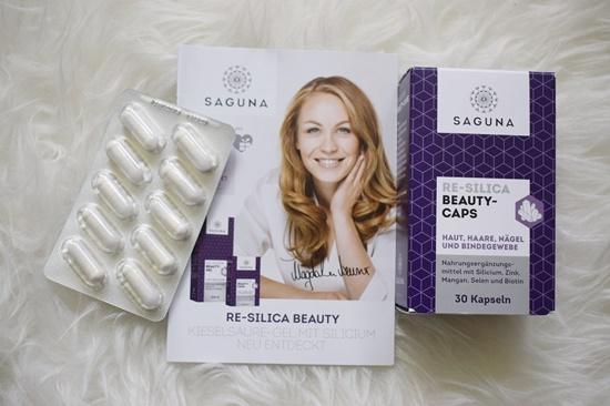 Sanicare Box Sommerzeit Saguna Beauty Kapseln offen plus Prospekt Probenqueen