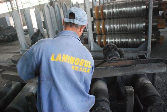Sindicatul Laminorul Braila acuza actuala conducere a uzinei ca vinde materia prima sub pretul de cumparare