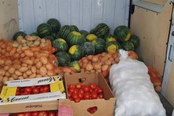 Legume și fructe comercializate ilicit, confiscate de jandarmii de la Movila Miresii