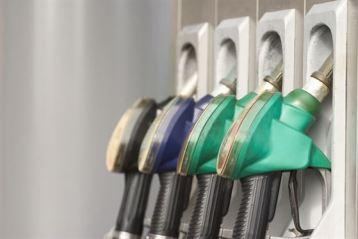 De marti, pot fi depuse cererile pentru restituirea a 4 eurocenti din acciza la carburanti