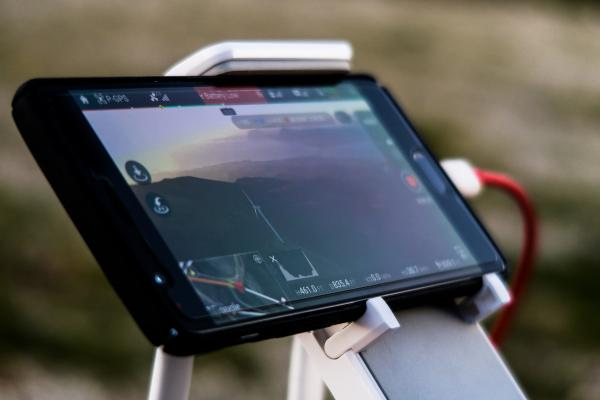Mobile device with GPS feature on screen