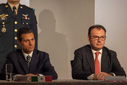 Peña y Videgaray durante un encuentro con empresarios.  Foto: Miguel Dimayuga