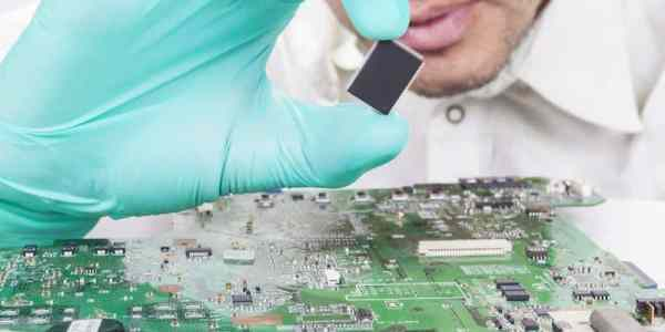instalando a placa-mãe microchip