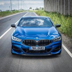 Auto je designový skvost z každého úhlu.