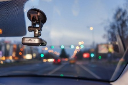 Řidiči v Anglii na sebe bonzují. Udávání na silnici je tam stále populárnější