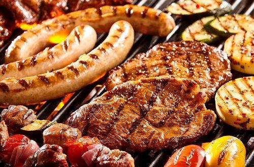 Všechny důvody, proč jíst maso. Fakta, která zaženou veganství do temnot