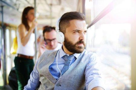 Jak vybrat sluchátka: průvodce kategoriemi poradí, jak se zorientovat