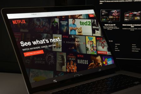 nejoblíbenější seriály na Netflixu