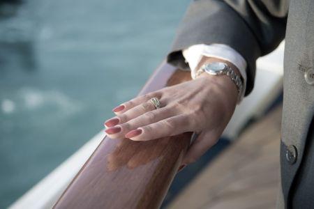jak vybrat ženě šperk