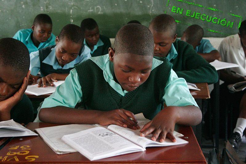 Escolarización-Zimbabwe-Programa-Karicoga