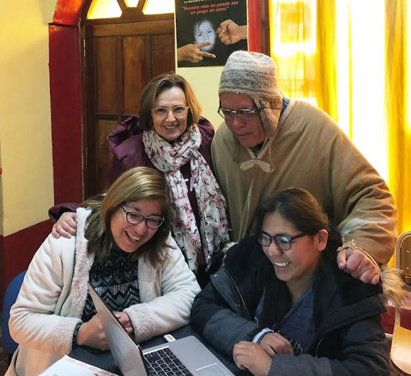 La dierectora de Proclade Bética visitando proyectos