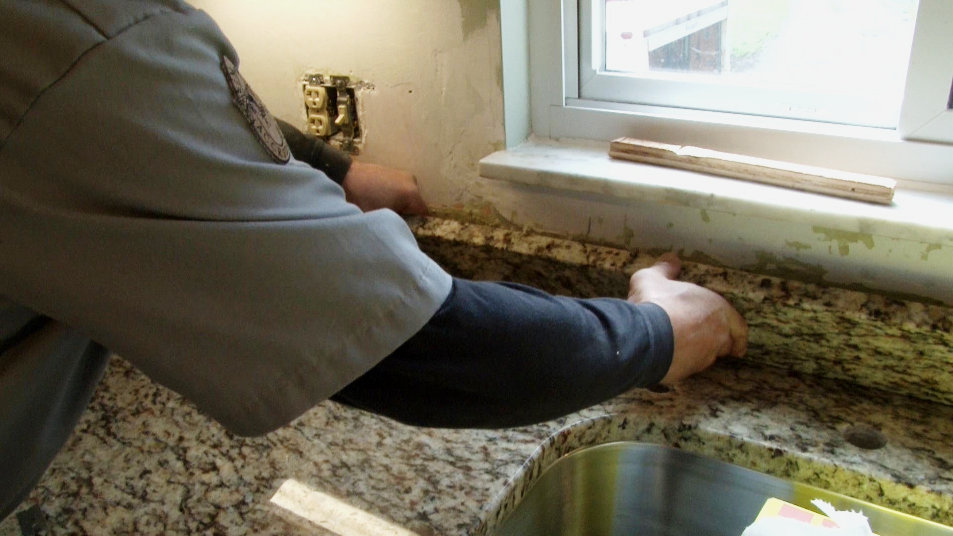 How to install granite countertops | Pro Construction Guide on Best Backsplash For Granite Countertops  id=67757