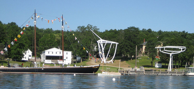 Photo by Maine Maritime Museum on Wikimedia Commons / CC BY-SA 3.0