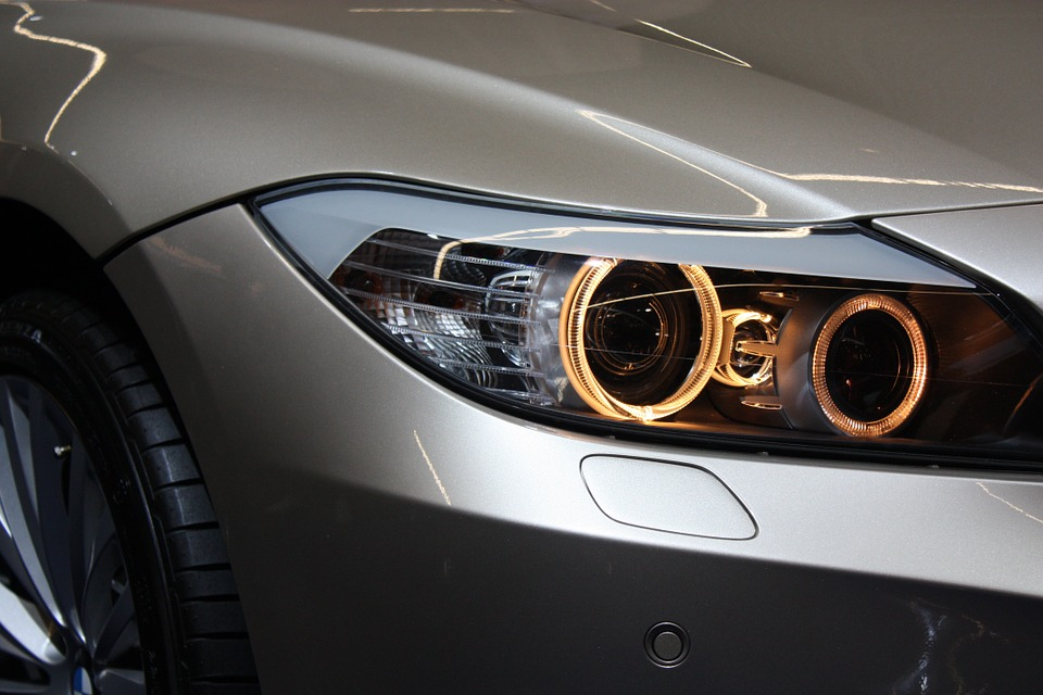 A car's headlights need frequend change too. Image courtesy of Pixabay.com, hosted under CC0.