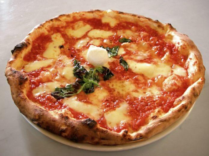 Prodotti tipici Italiani_Pizza Napoletana