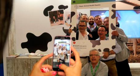 Bayer presenta en ANEMBE su campaña para promover el consumo de lácteos y apoyar a veterinarios y ganaderos del sector