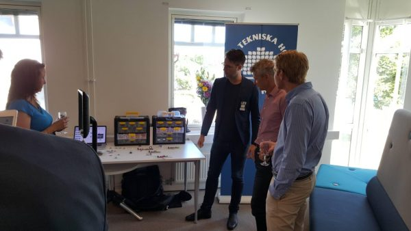Andreas demonstrerar Littlebits, Samlabs och Double Robotics