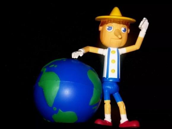 Pinocho quiere salvar el mundo de  Igvir Ramirez