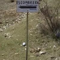 cartel que señaliza la escombrera municipal