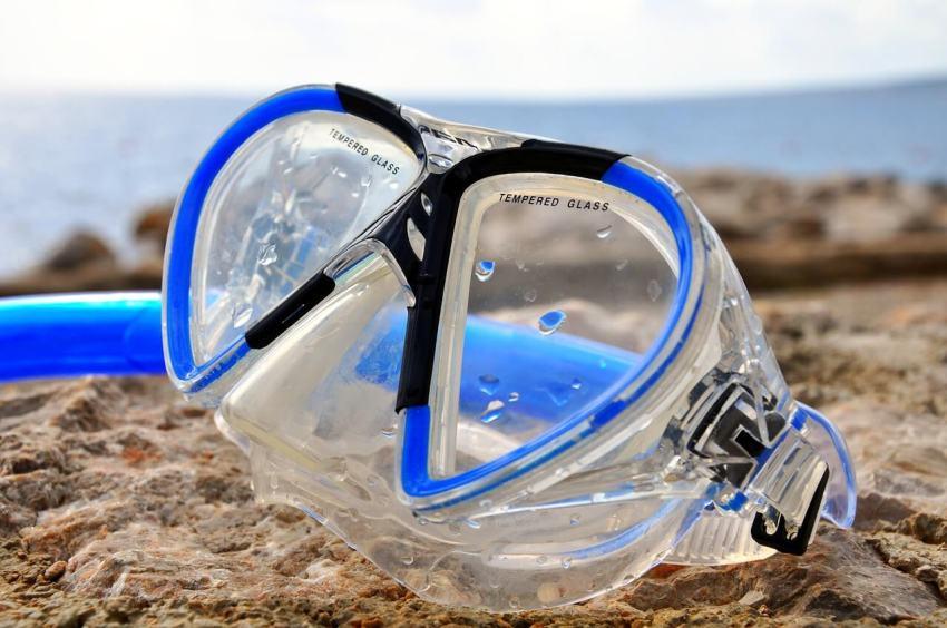 taucherbrille test