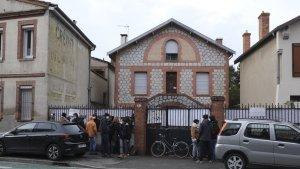 Maison squattée à Toulouse : face-à-face tendu entre les soutiens de Roland, 88 ans, et les défenseurs des squatteurs