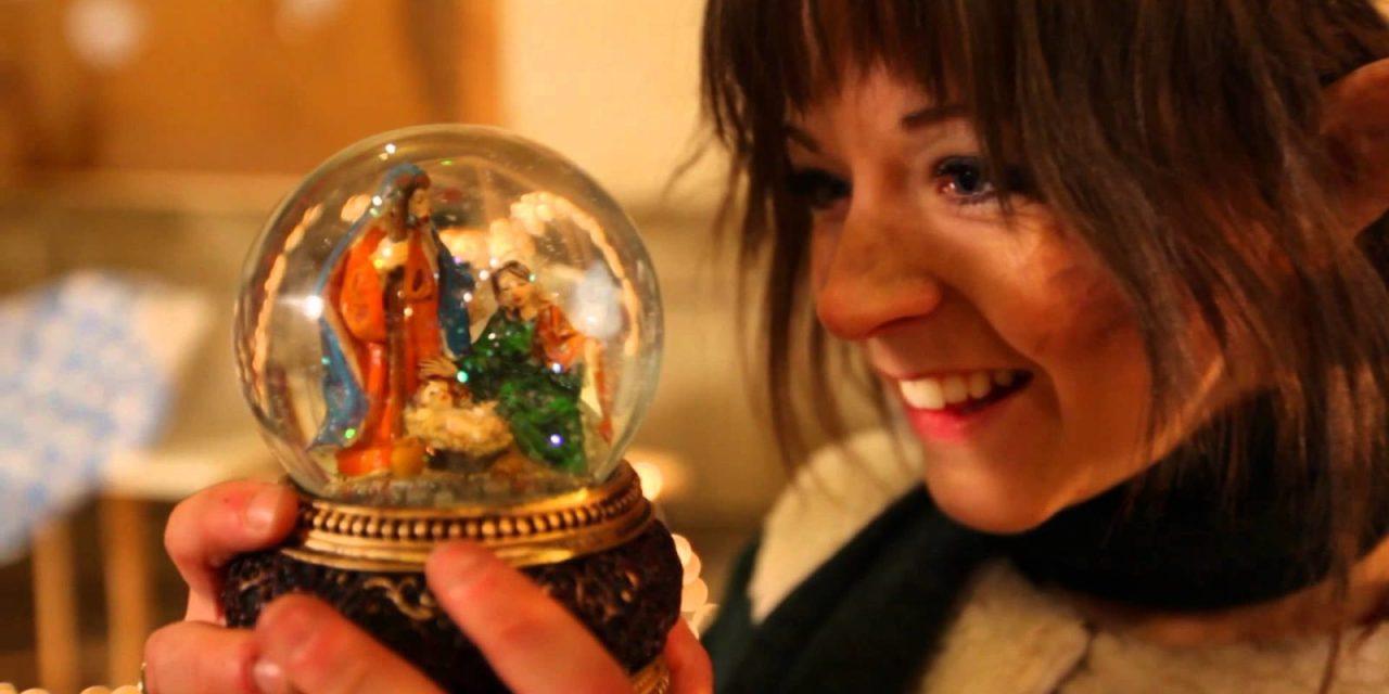 VIDÉO 14 – Lindsey Stirling joue dans le métro… Joyeux Noël !