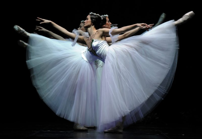 Ouverture progressive de l'Opéra de Paris aux artistes étrangers