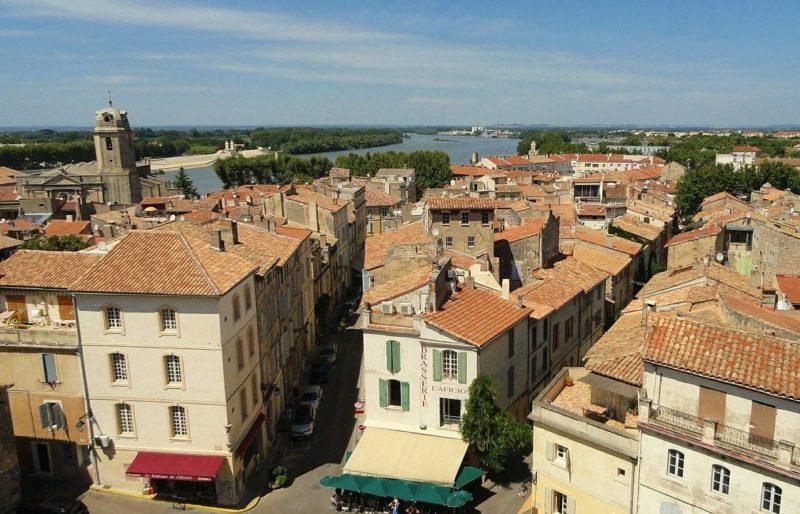 Provence – CDI 32h. Le théâtre d'Arles recrute un hôte d'accueil et billetterie (f/h)