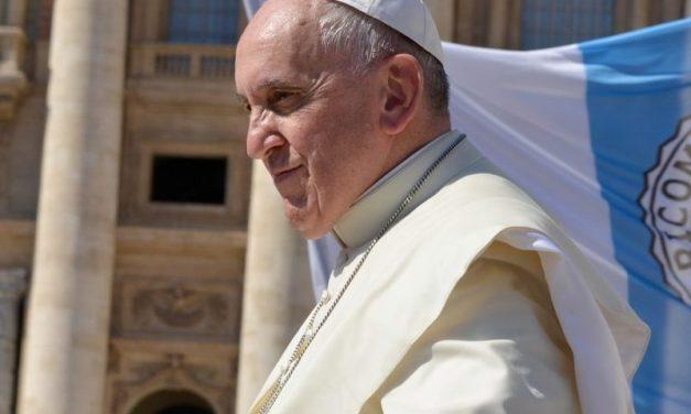 Wim Wenders tourne un documentaire sur le pape François
